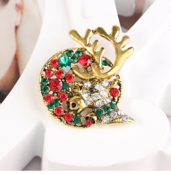 Clothing creative Christmas deer brooch