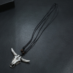 Hand-knitted imitation cow bone head necklace