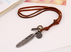 Personalized street shooting retro leather big feather necklace cowhide necklace