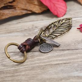 Leaf leather keychain creative gift couple key pendant